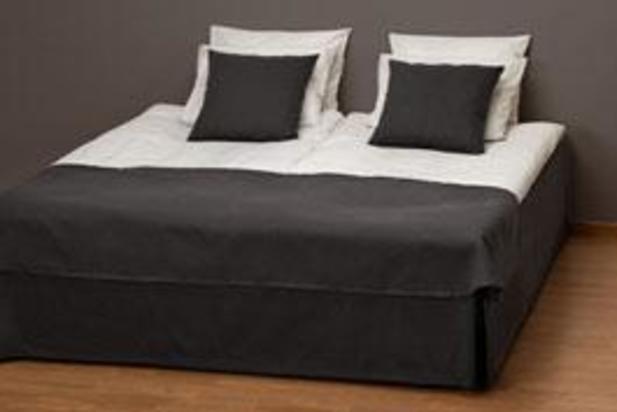 seng 180 Lina quiltat, 120säng   dekoröverkast   Bedcover foot end   Hoist  seng 180